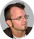 Simon Petersen signerer På Bogforum 2021